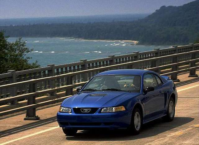 1999 Ford Mustang V6 Coupe